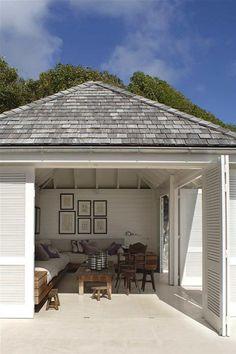Enclosed outdoor patio