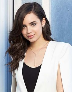 "[sofia carson] ""hey! i'm jasmine. i'm 17. my mom is jasmine and my dad is aladdin. my mom and dad didn't really think of any other names. anyway, liv is my bestie. intro?"""