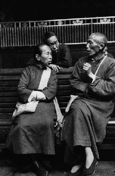 Henri Cartier-Bresson - CHINA. Zhejiang. Hangzhou. 1949.