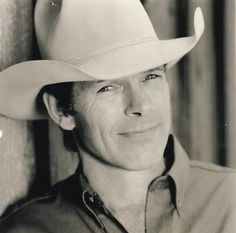 Chris LeDoux - American country music singer-songwriter, bronze sculptor, and hall of fame rodeo champion. During his career LeDoux recorded 36 albums (many self-released) which have sold more than six million units in the United States as of January 2007. Cremated, Ashes scattered.
