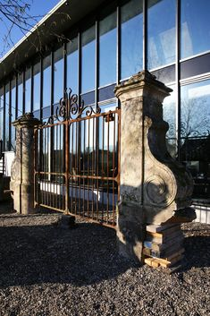Antique cast iron gate with French limestone pilasters from the century. A gate in Baroque style with appearance and character. A beautiful whole for anyone who is passionate about old building materials. Cast Iron Gates, Reclaimed Building Materials, Steel Gate, Old Building, Baroque Fashion, 18th Century, Beautiful, Steel Doors