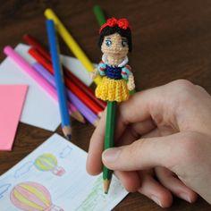 Sc Crochet, Crochet Hooks, Half Double Crochet, Single Crochet, Pencil Toppers, White Pencil, Dark Blue Color, Crochet Patterns Amigurumi, Yarn Colors