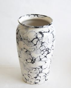 Make a statement with our large vintage buble print ceramic vase, perfect for displaying flowers yet still stylish when empty.It's monochrome design means it will fit into any scheme.IN...