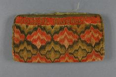 Pocketbook, Philadelphia Museum of Art, 1773, Linen plain weave with wool embroidery, linen plain weave lining, cotton twill tape, 3 9/16 x 6 11/16 inches, accession number 1930-30-24