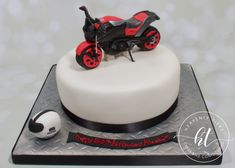 We produces delicious handmade and beautifully decorated cakes and confections for weddings, celebrations and events. Motorbike Cake, Handmade Wedding, Celebration Cakes, Celebrity Weddings, Heavenly, Cake Decorating, Celebrities, Desserts, Food