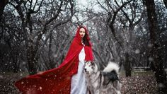 Inspired by the stories of figures like Little Red Riding Hood, Gretel, and Brave's Merida, Moscow-based photographer Darya Kondratyeva re-created these fairy Fantasy Photography, Animal Photography, Fantasy Animal, Real Life Fairies, Red Ridding Hood, Shooting Photo, Little Red, Belle Photo, Faeries
