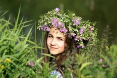 Ivan Kupala in Russia, Traditions of Russia I Capture The Castle, Bountiful Harvest, Jolly Holiday, Sick Kids, John The Baptist, Summer Solstice, People Of The World, Little People, Red Flowers