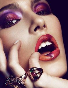 Deep ombré eyes and lips.