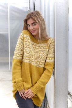 Søkeresultater for: 'gul' Knitting Paterns, Knitting Designs, Knitting Projects, Icelandic Sweaters, Loop Scarf, Fair Isle Knitting, Textiles, Mellow Yellow, Models