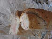 Plnená párty bageta so šunkou • Recept | svetvomne.sk Food, Essen, Meals, Yemek, Eten