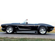 Check out this 1962 Chevrolet Corvette Vette that& equipped with engine and a 5 speed manual transmission in Corvette Fever Magazine. Convertible, Us Cars, Sport Cars, Chevrolet Corvette C1, 1962 Corvette, Pontiac Gto, General Motors, Classic Corvette, Cadillac