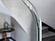 Scari Microtopping gri Concrete Art, Wall And Floor Tiles, New Builds, Stairs, Flooring, Mirror, Wood, Interior, Furniture