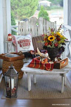 42 Cozy Diy Apple Decorations Ideas That Suitable For Autumn - I admit it. This is my favorite time of year. While friends and family are unabashed lovers of the summer, with its long sunny days, barbecues, and va. Fall Flower Pots, Fall Flowers, Diy Flowers, Fall Home Decor, Autumn Home, Apple Decorations, House Decorations, Autumn Decorations, Thanksgiving Decorations
