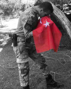 Bayrakları bayrak yapan üstündeki kandır. Turkic Languages, Men In Uniform, Istanbul, Islam