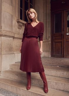 La jupe midi plissée - Famous Last Words Trend Fashion, Fashion Mode, Modest Fashion, Fashion Outfits, Womens Fashion, Lifestyle Fashion, Fashion Tips, Casual Dress Outfits, Trendy Dresses