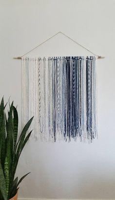 Tapestry Bohemian Yarn Wall Hanging Tapestry Blue Source by sandramoorhouse Yarn Wall Art, Yarn Wall Hanging, Wall Hangings, Diy Wall Decor, Diy Home Decor, Art Decor, Cheap Wall Decor, Room Decor, Decor Ideas