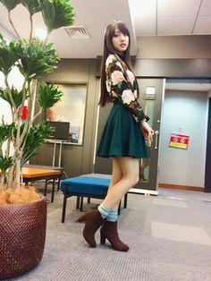 飯窪春菜さんの「太ヒールの美脚ショートブーツ(SESTO|セスト)」を使ったコーディネート