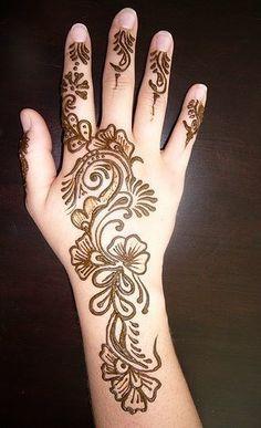 Good Mehndi Design On Arms!