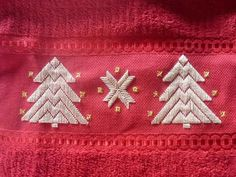Hardanger Embroidery, Embroidery Art, Embroidery Patterns, Bookmark Craft, Monks Cloth, Christmas Towels, Xmas Cross Stitch, Stick Art, Swedish Weaving