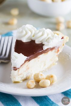 Almost no-bake, this White Chocolate Macadamia Pie is super easy and perfect for white chocolate lovers.: