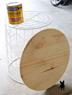Create this easy DIY Side Table using a wire bin and a wooden round from Home De. - Create this easy DIY Side Table using a wire bin and a wooden round from Home Depot. Furniture Projects, Home Projects, Furniture Stores, Diy Home Furniture, Furniture Outlet, Discount Furniture, Luxury Furniture, Diy Décoration, Easy Diy