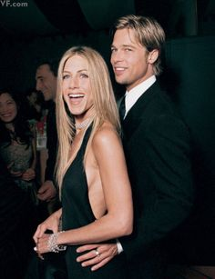 Brad Pitt and Jen Aniston at the oscars Brad Pitt Jennifer Aniston, Jennifer Aniston Style, Jennifer Aniston Friends, Rachel Green, Justin Theroux, Mtv, Brad Pitt And Jennifer, Divas, Jeniffer Aniston