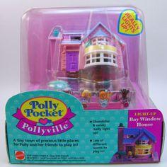 Polly Pocket Pollyville Bay Window House