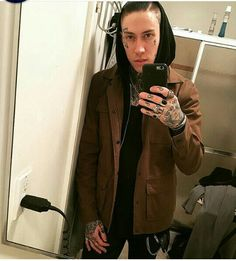 Trace cyrus Trace Cyrus, Tumblr Boys, Hot Guys, Selfie, Musicians, Music Artists, Composers, Selfies