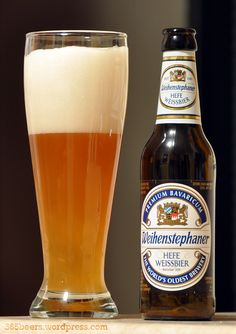As far as I know, I got the 'darker' version of this beer. Will have to go back to a well-known supermarket just to make sure. No 'bier' connoisseur 'hier' but I liked it. Beer Boot, Beer Cellar, Premium Beer, Wheat Beer, Beers Of The World, All Beer, Beer Recipes, Yummy Recipes, Vase