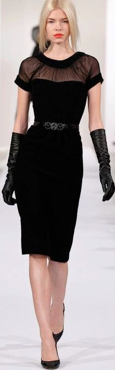 Oscar de la Renta - 2013 I wish long gloves were the norm. I'd wear elbow length gloves every day!!! :) (www.2dayslook.com)