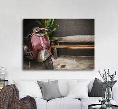 Πίνακας σε καμβά, τελαρωμένος – έτοιμος για τοποθέτηση   Εκτύπωση θέματος με ψηφιακή εκτύπωση σε καμβά 100% βαμβακερό  Τελάρο κουτί 4,5 cm Vespa Italy, Entryway Bench, Vintage, Furniture, Home Decor, Entry Bench, Hall Bench, Decoration Home, Room Decor