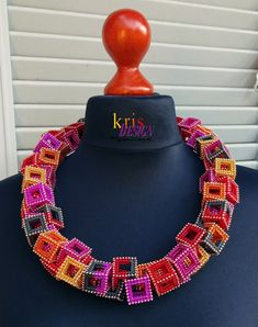 """Lei"" necklace by German beadworker Kris Empting-Obenland (Kris Design on Etsy). Bead Embroidery Jewelry, Beaded Embroidery, Beaded Jewelry, Jewellery, Jewelry Patterns, Beading Patterns, Seed Bead Necklace, Beaded Necklace, Necklaces"