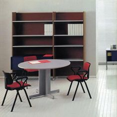 Tavolo di riunione e libreria della Serie 45