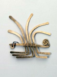 Brooch | Alexander Calder. ca. 1940. || Photo Credit: Calder Foundation, New York / Art Resource, NY. // ART472830