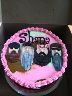 Duck dynasty cake!  www.sweetcakesbytoni.com
