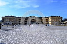 With over 1000 rooms, this palace is one of the most beautiful and faimous palace in Austria.