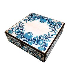 30cm x 30cm x 9cm-Beautiful Wooden Hand Made Accessories Box with Decoupage Technic-DBP-30x30-01