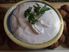 Salsa de pimientas para carnes. Ver receta: http://www.mis-recetas.org/recetas/show/45861-salsa-de-pimientas-para-carnes