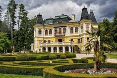 Betliar Castle, Slovakia Hungary, Roots, Backpack, Sweet Home, Castle, Mansions, House Styles, Beautiful, Historia