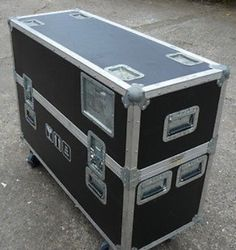 Recently I have added a secure means of transporting Plasma, Flat Screen TV's & Video Conferencing Equipment by way of our foam lined flight cases with fixed castors to ensure it is transported in the most secure means possible.  Call now on 01869320045 or 0781207805 to book your next plasma / flat screen TV relocation.