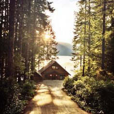 Haus am See Lake Cabins, Cabins And Cottages, Mountain Cabins, Cabin Homes, Log Homes, Beautiful Homes, Beautiful Places, Beautiful Sunset, Haus Am See