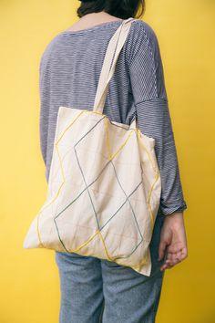 Bolsa de tela bordada | Diseño líneas