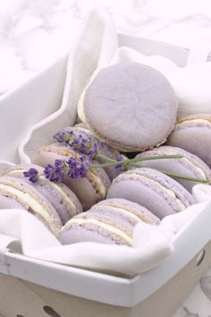 Lavender Lemon Macarons Recipe – Mildly Meandering Lavender Lemon Macarons – An easy macaron recipe! Lavender macarons with a touch of lemon filled with a light lemon honey buttercream. This is a French dessert that tastes incredible! Macarons Easy, Lavender Macarons, Lemon Macarons, Lavender Cake, Cookie Recipes, Dessert Recipes, Baking Recipes, Macaron Filling, Macaron Cookies