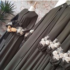 Abaya gamis hitam - Wedding World Hijab Gown, Hijab Dress Party, Hijab Style Dress, Vestido Batik, Batik Dress, Mode Abaya, Mode Hijab, Abaya Fashion, Fashion Dresses