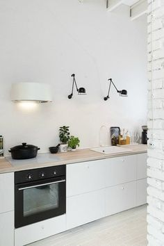 Kitchen Interior Design Remodeling Boooox Heritage Barn by Oooox - Awesome wooden retreat designed by Radka Valova of Oooox situated in the Czech republic. Kitchen Dinning, New Kitchen, Kitchen Decor, Kitchen White, Kitchen Brick, Kitchen Styling, Barn Kitchen, Dining Room, Kitchen Ideas
