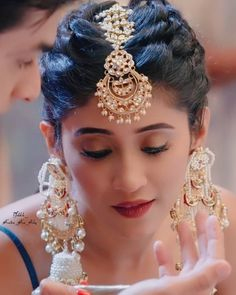 Hairstyles For Gowns, Saree Hairstyles, Braided Hairstyles, Shivangi Joshi Instagram, Jewelry Design Earrings, Hot Hair Styles, Indian Jewellery Design, Couple Photography Poses, Cute Girl Photo