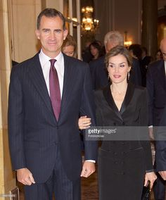 (L-R) King Felipe VI of Spain and Queen Letizia of Spain attend the Francisco Cerecedo Journalism Award Ceremony at The Ritz Hotel on November 25, 2015 in Madrid, Spain.  (Photo by Fotonoticias/WireImage)
