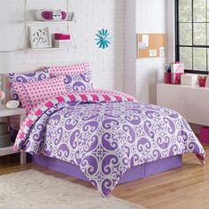 Kennedy Bed Set