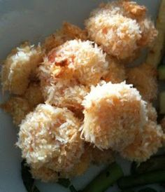 Paleo Recipe Queen: Paleo Coconut Breaded Shrimp: uses egg to coat shrimp but I think a mixture of coconut oil and milk would work just as well, maybe better. #CondaDouglas