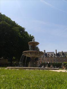 Paris...square Louis XIII...